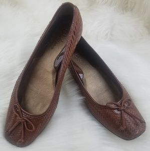 Cole Haan Brown leather woven flats size 8